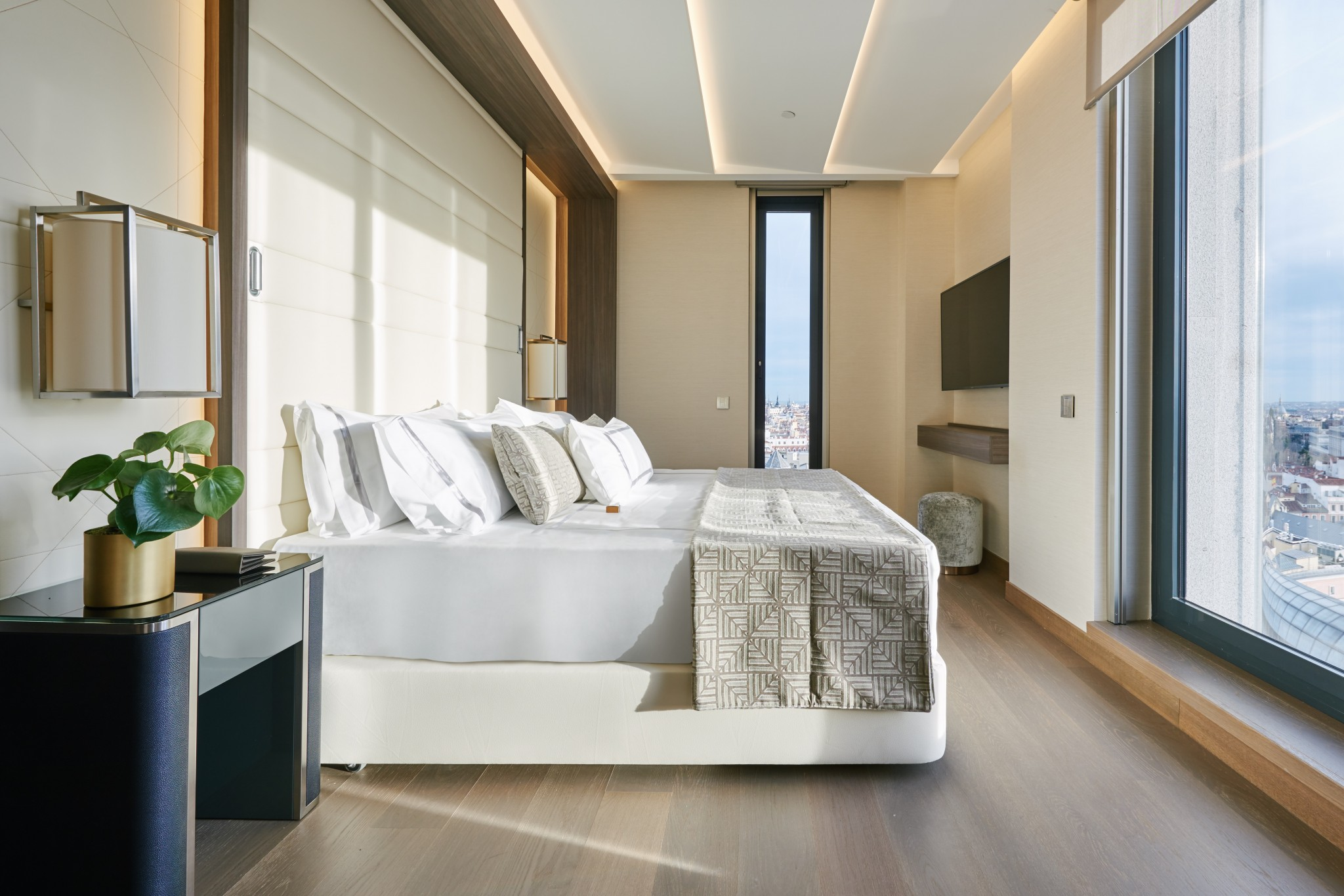 5 star hotel in madrid centre vp plaza espa a design 5 for Design hotel madrid