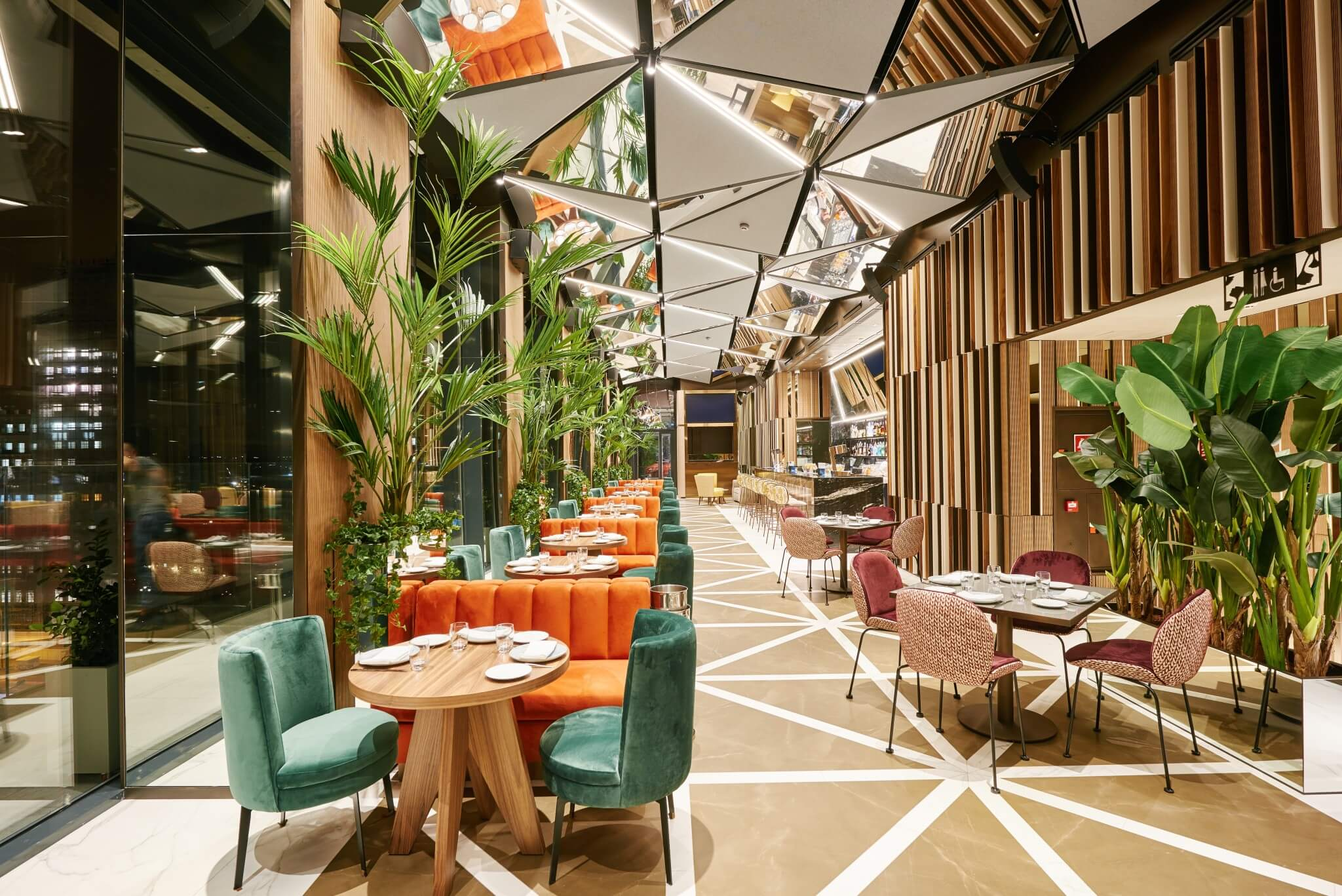 Ginkgo restaurante sky bar vp plaza espa a design madrid for Sky design hotel